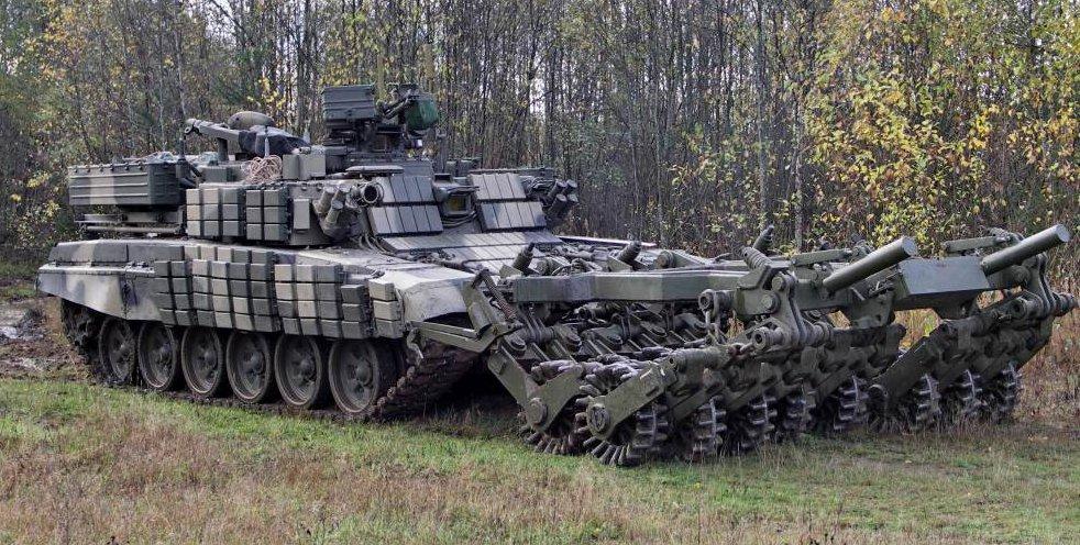 Т-55 с плавсредствами на испытаниях