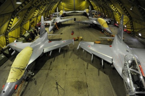 hangar_1